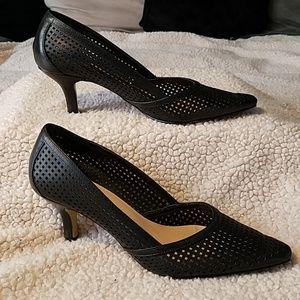 "Bella Vita Black ""Counter Pocket"" Heel Shoes Sz"